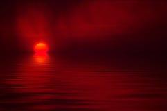 在日落水 免版税库存图片
