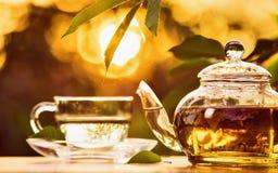 在日落的下午茶时间 免版税库存图片