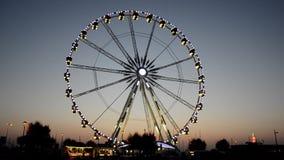 在日落的五颜六色的弗累斯大转轮 影视素材