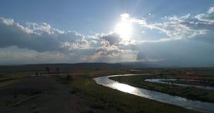 在日落的仓井干草原,在寄生虫,阿尔泰,俄罗斯的射击 影视素材