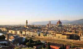 在日落的佛罗伦萨都市风景 库存照片