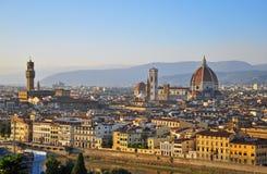 在日落的佛罗伦萨都市风景 免版税库存照片