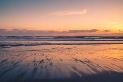 在日落的俄勒冈海岸 免版税库存照片