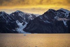 在日落的冰川 库存照片