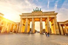 在日落的勃兰登堡门 免版税图库摄影