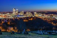 在日落的匹兹堡地平线 免版税库存照片