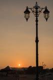 在日落的华丽街灯 免版税库存图片