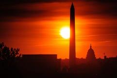 在日落的华盛顿纪念碑 免版税库存照片