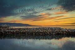 在日落的南加州码头 免版税库存照片