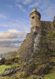 在日落的古老堡垒在Horta,葡萄牙语亚速尔群岛 免版税库存图片