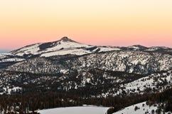 在日落的史蒂文斯峰顶 免版税库存照片