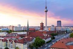 在日落的地平线柏林 免版税库存图片