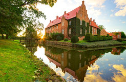 在日落的城堡Trolle-Ljungby 库存图片