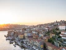 在日落的城市 免版税库存图片