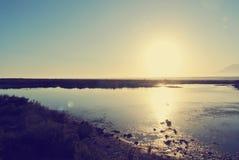 在日落的夏天风景;减速火箭的Instagram样式 库存照片
