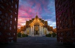 在日落的大理石寺庙 免版税图库摄影