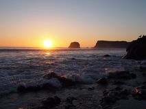 在日落的大瑟尔海滩 库存图片