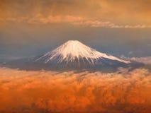 在日落的富士山 免版税图库摄影