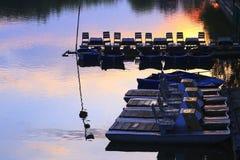 在日落的小船驻地 库存照片