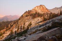 在日落的山在矿物国王 图库摄影