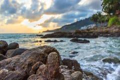 在日落的岩石 免版税库存照片