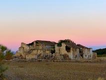 在日落的废墟 免版税库存图片