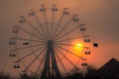 在日落的弗累斯大转轮 免版税库存照片