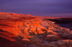 在日落的彩虹浅滩 库存图片
