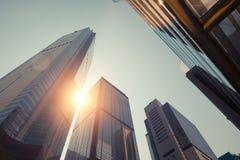 在日落的惊人的未来派都市风景视图 香港 库存图片