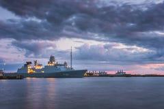 在日落的战舰 库存图片