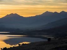 在日落的斯诺登山马掌 免版税库存照片
