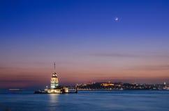 在日落的未婚塔,伊斯坦布尔 库存图片