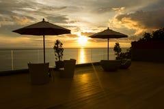 在日落的椅子 免版税图库摄影