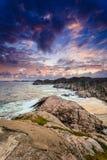 在日落的海岸线在挪威 免版税库存照片
