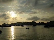 在日落的海湾 免版税图库摄影