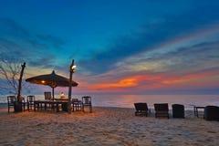 在日落的海滩 免版税图库摄影