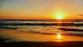 在日落的海视图在特拉维夫 免版税库存照片