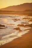 在日落的海滩,圣西梅昂 库存照片