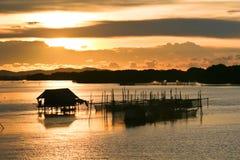 在日落的渔夫生活方式 免版税图库摄影