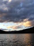 在日落的湖 免版税库存照片