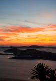 在日落的火热的海岛mykonos 免版税库存图片