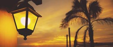 在日落的灯笼 免版税图库摄影