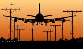 在日落的班机着陆 向量例证
