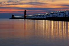 在日落的盛大避风港码头 库存图片