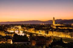 在日落的看法对市从米开朗基罗广场的佛罗伦萨 免版税库存照片