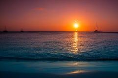 在日落的筏 图库摄影