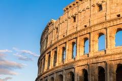 在日落的罗马斗兽场在罗马 库存照片