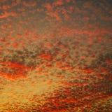 在日落的美丽的天空与云彩的另外样式 免版税图库摄影