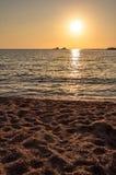在日落的美丽的海洋 库存图片