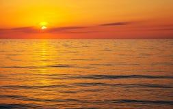 在日落的美丽的海洋 图库摄影